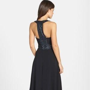 Dress The Population Delani Crepe Gown M